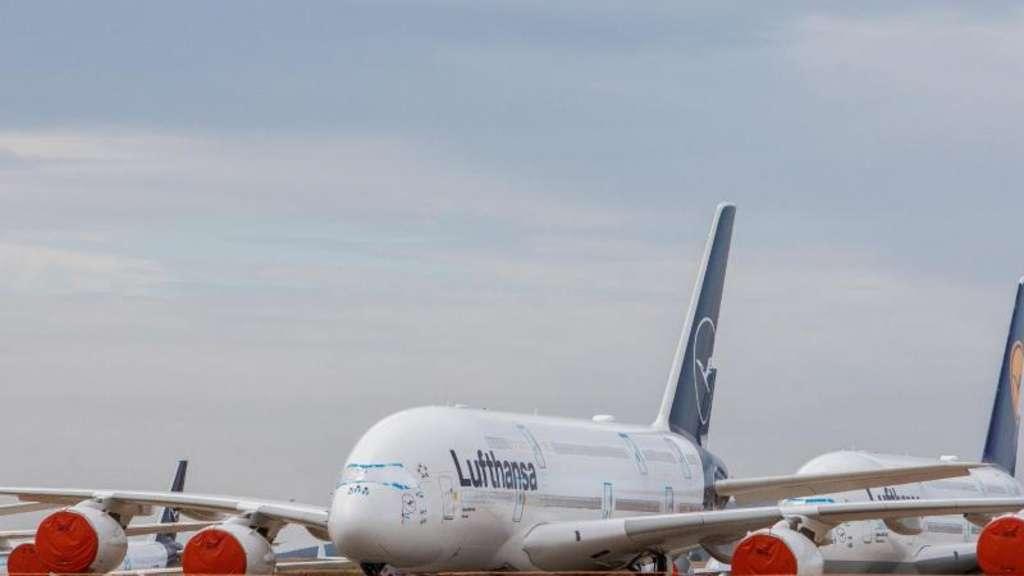 Lufthansa fliegt auch im Sommer Milliardenverlust ein | Wirtschaft Überblick