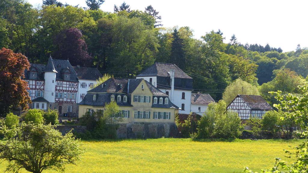 """Hof Schmitte in Rodheim wird zum """"Boutique-Hotel""""."""