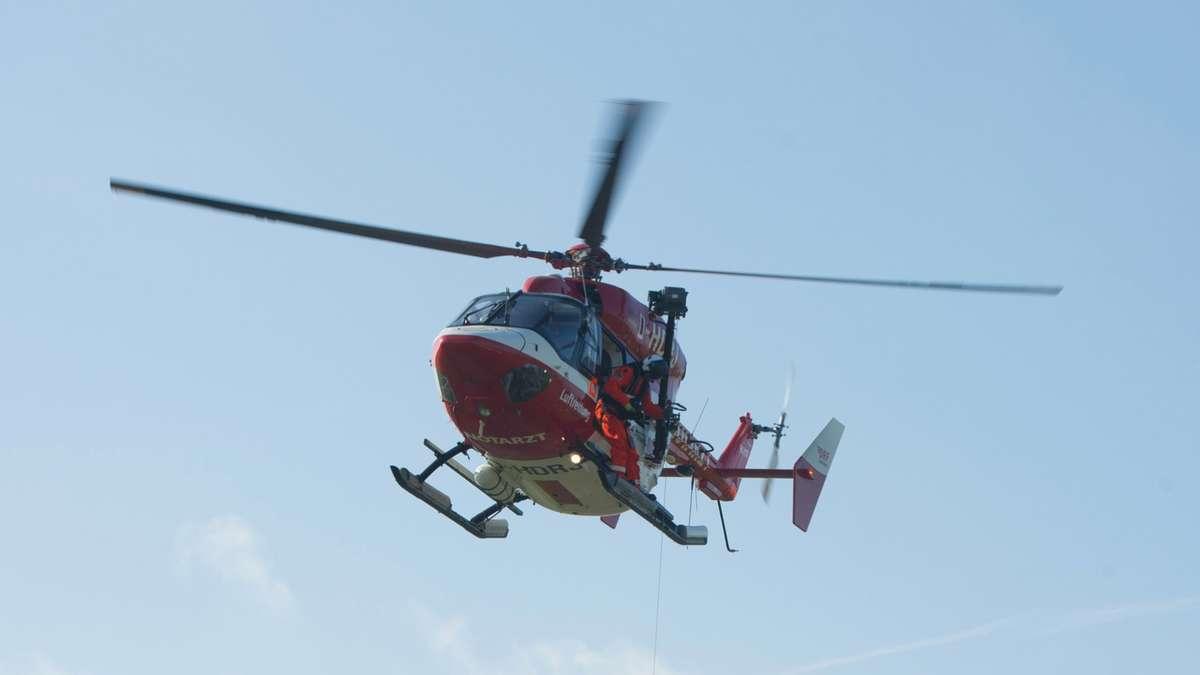 Marburg: Vier Verletzte nach schwerem auf L3061 bei Lohra - Rettungshubschrauber im Einsatz | Hessen - Gießener Allgemeine